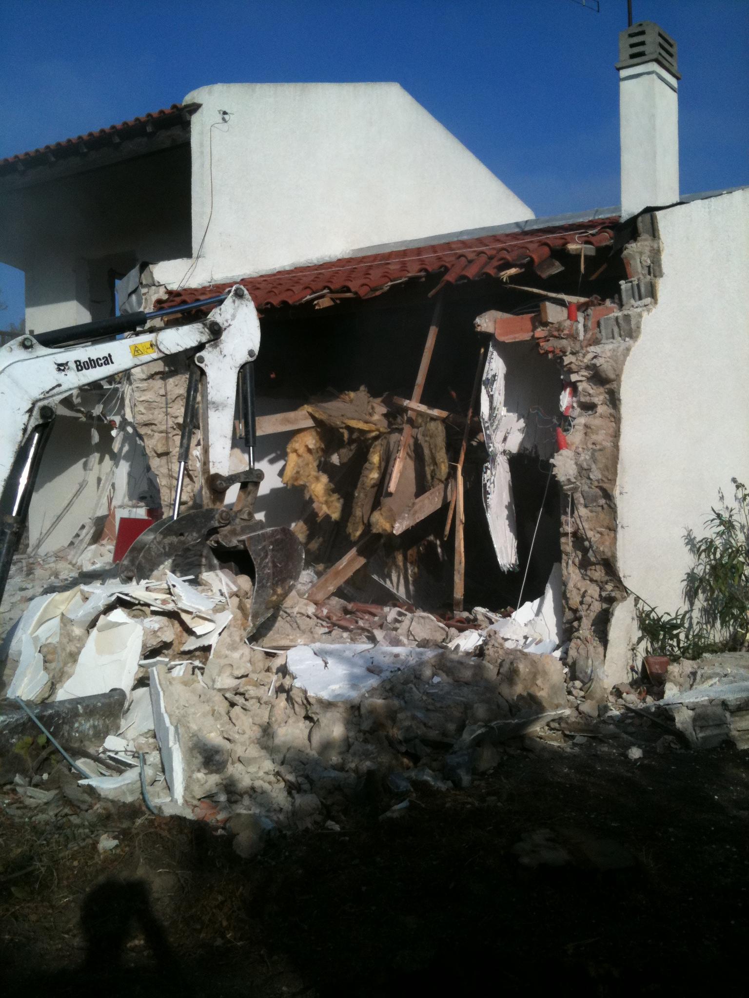 D molition maison bois c t sud - Cout de demolition maison ...