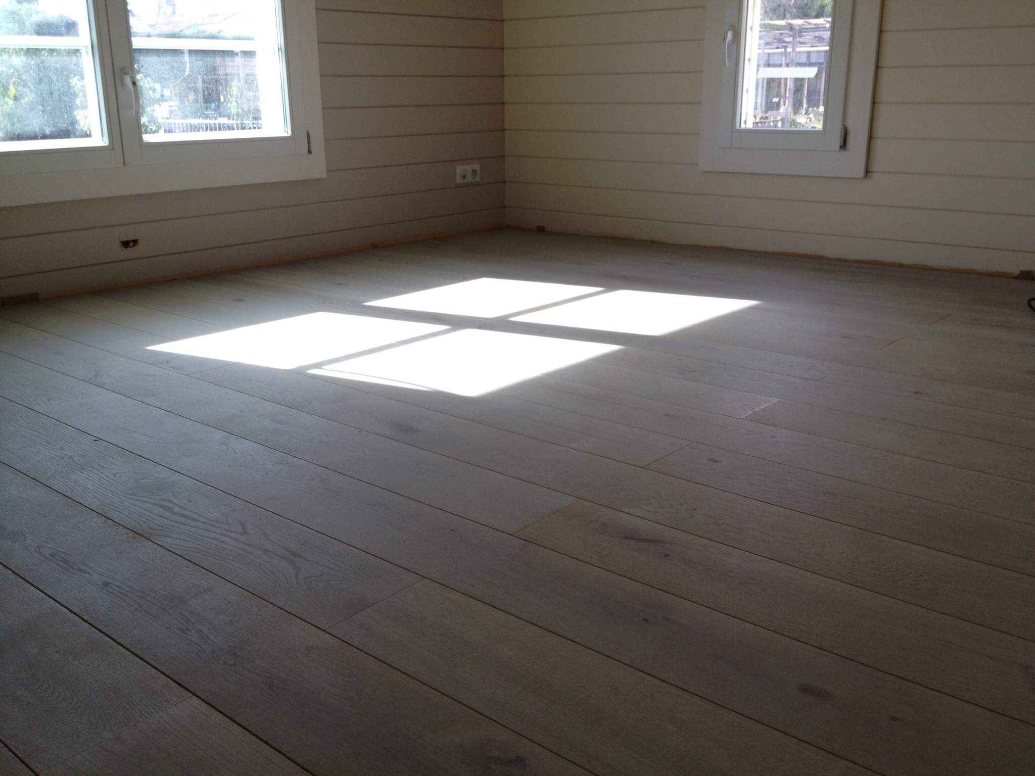 Carrelage ou parquet maison bois c t sud - Poser du carrelage sur du parquet bois ...