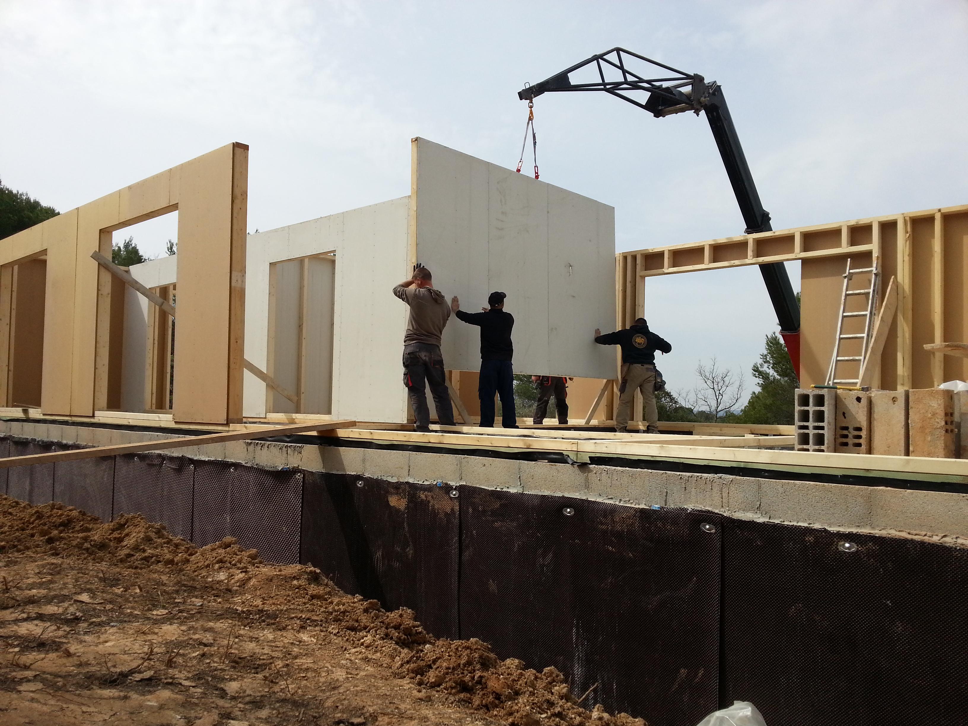 Maison ossature bois posee sur dalle beton maison moderne - Dalle beton interieur maison ...