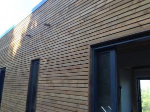 bardage faux claire voie ossature bois Ponteves