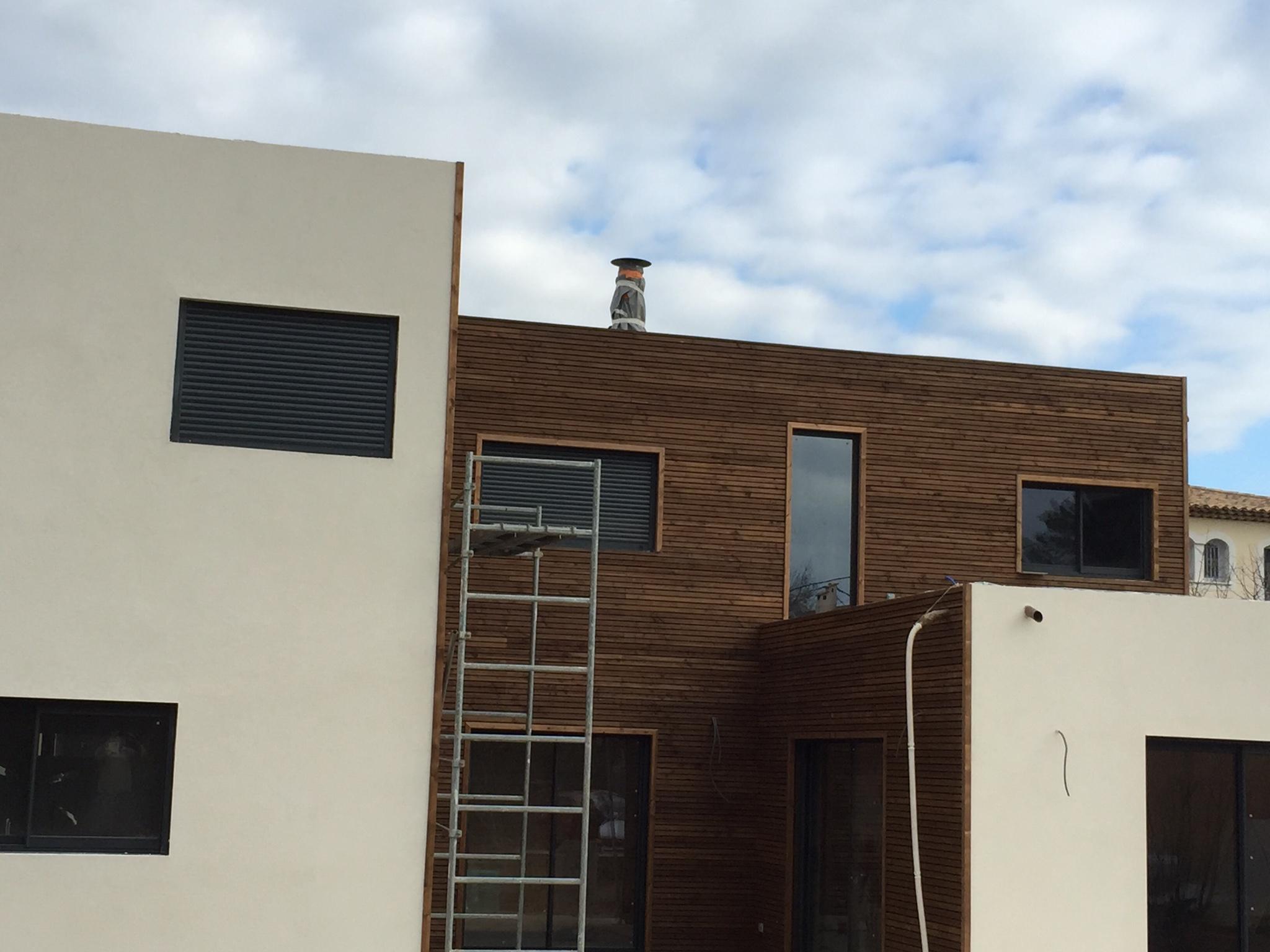 Comment d corer une maison en bois maison bois c t sud for Decorer une maison