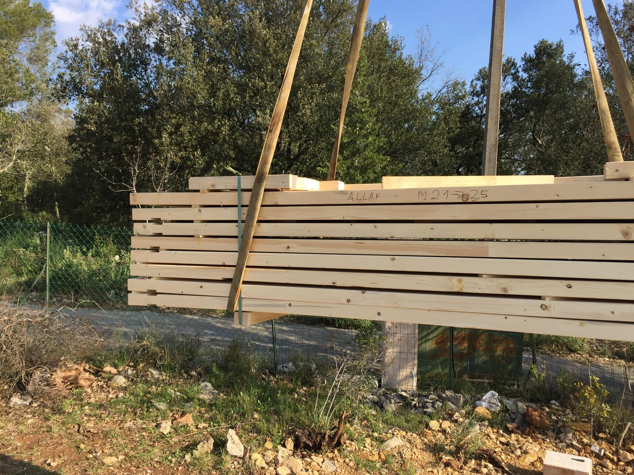 Constructeur maison bois dans le var for Constructeur maison en bois 28
