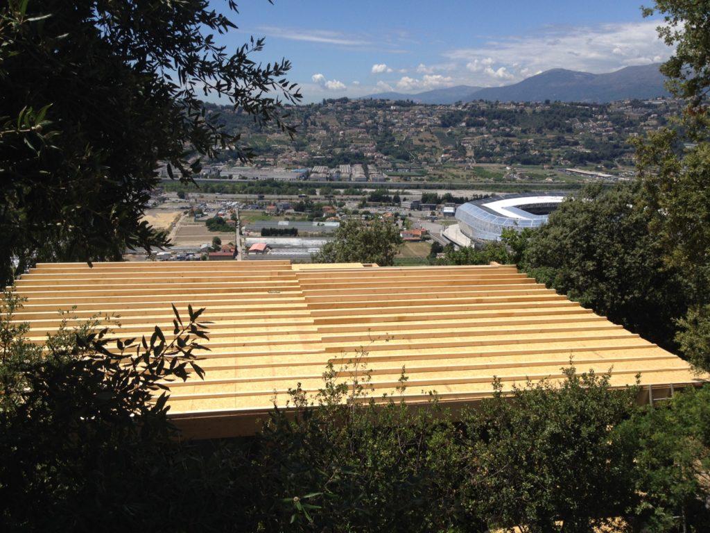 Caleage de pente pour toiture terrasse maison en ossature bois à Nice