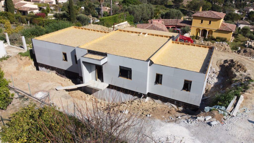 ossature bois avec toiture terrasse et Fermacell PowerPanel à Antibes