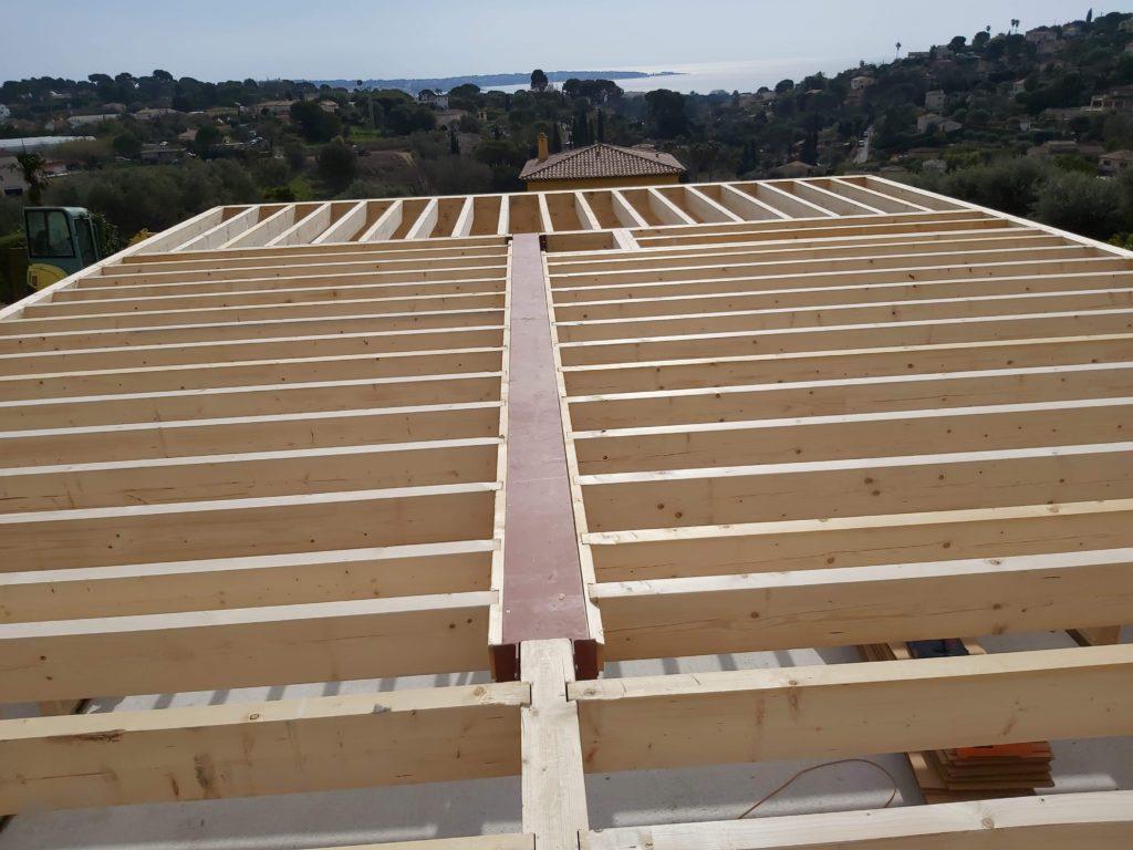 Plancher bois d'une maison en ossature bois à Cannes