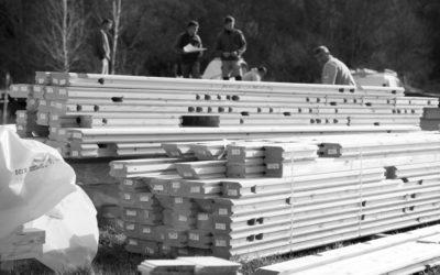 début d'une construction d'une maison en bois dans le Var